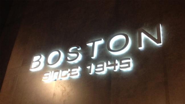 Avisos publicitarios letras luminosas 3D en acrílico
